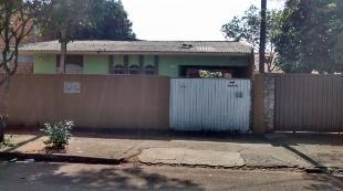 Pq. Hortencia, duas casas no mesmo terreno