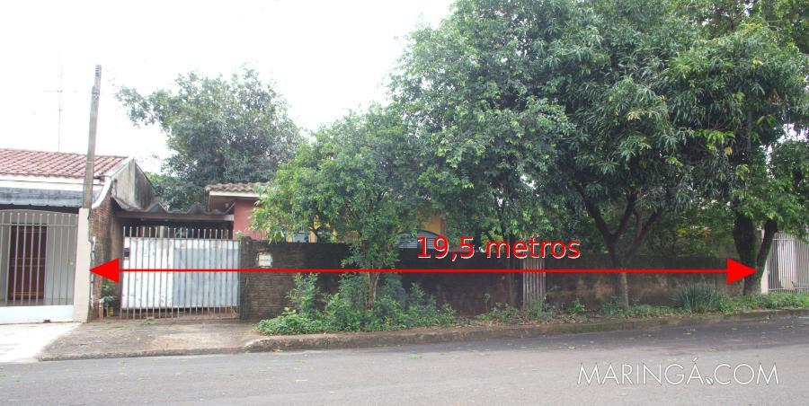 Terreno com 519m² total, sendo 19,5m² de frente! Excelente pra construir várias casas! Pq. Avenida - divisa c/ Jd. Tóquio. A 4Km do centro!