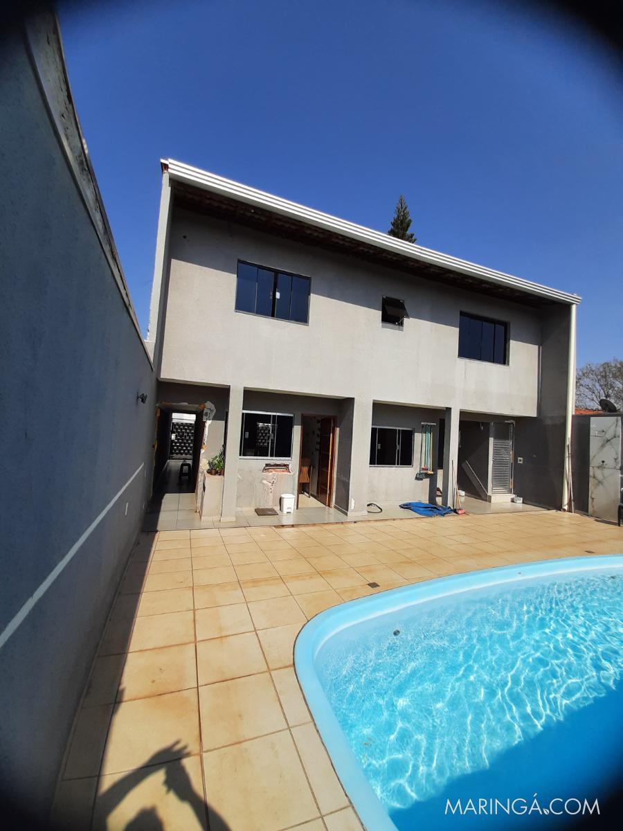 Vendo casa assobradada com piscina.