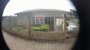 Casa + Sobrado - Rua Lopes Trovão 423 - Frente para o Hospital Santa Rita