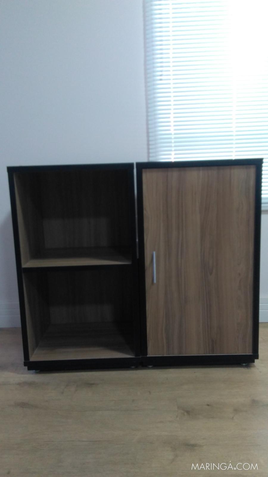Vende-se móveis para escritório semi novos.